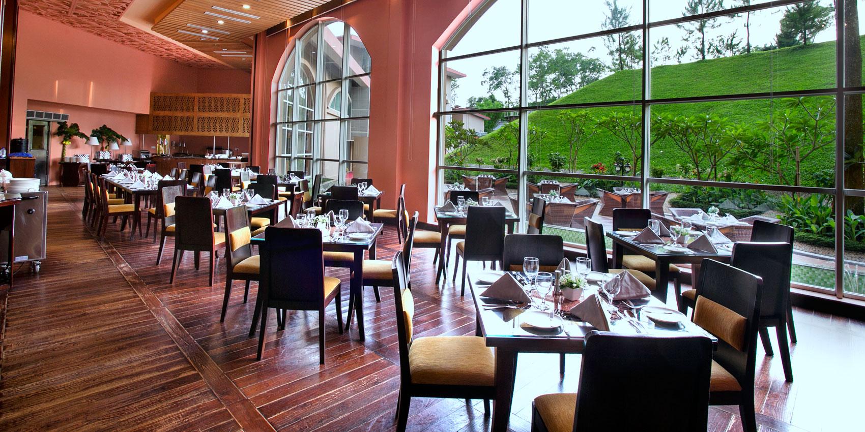 Restaurants and Cafe at Grand Sultan Tea Resort & Golf
